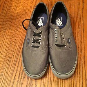 🆕 Men's Vans Low Top Sneakers